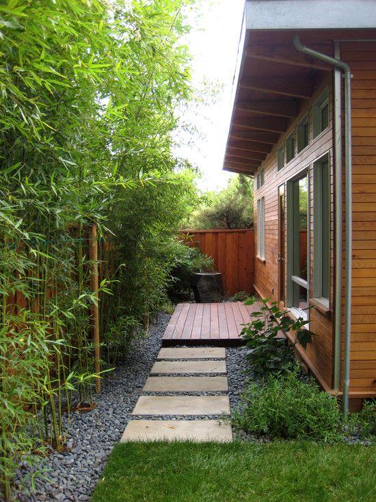 Small garden design ideas asian style bamboo trees stones for Japanese bamboo garden design