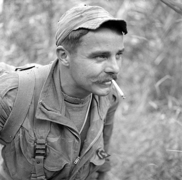 Sergent du II/1er RCP - Hanoï - 1954 985bd1a9663a62addf81552d9d505b47