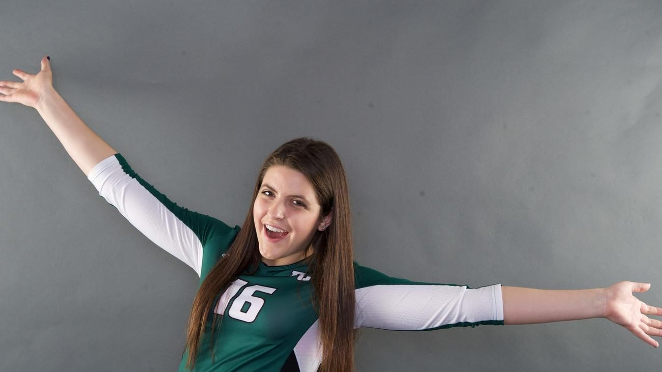Ariana Altieri Oh Pine Crest Senior Volleyball Players Volleyball Players