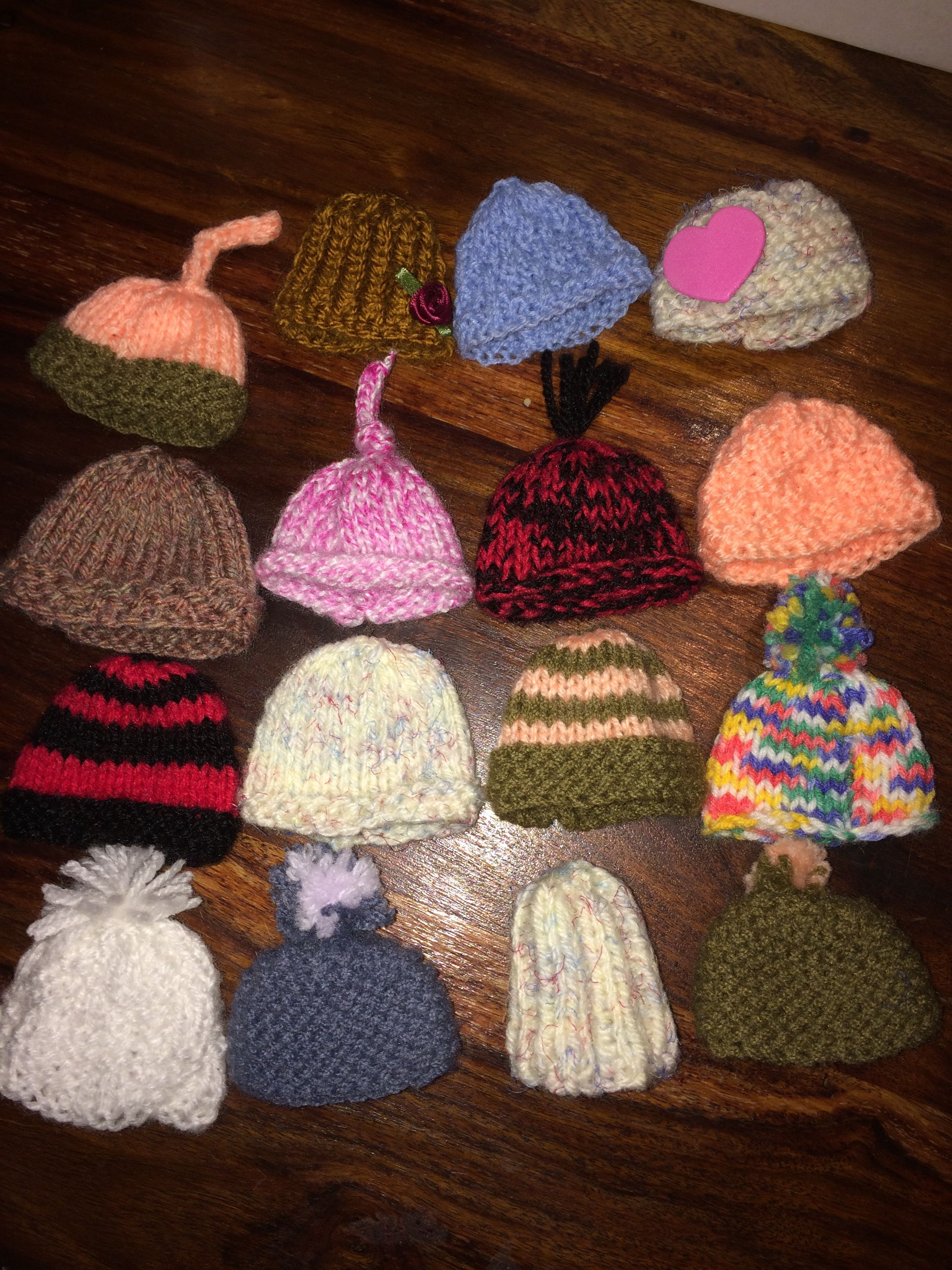 d7797df10f9 Simple hats in different patterns  waffle