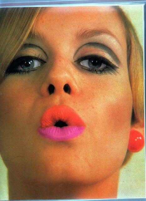 Twiggy with day glo lips ann es 60 maquillage ann e 60 - Maquillage annee 60 ...