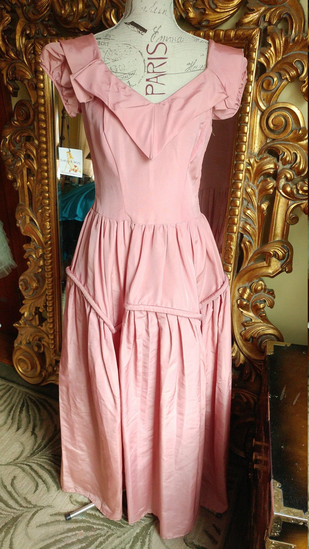 Vintage 1940 S Beau Time Formals Mauve Bridesmaid Prom Etsy Mauve Bridesmaid Pink Bridesmaid Gowns Vintage Evening Gowns [ 3000 x 1688 Pixel ]