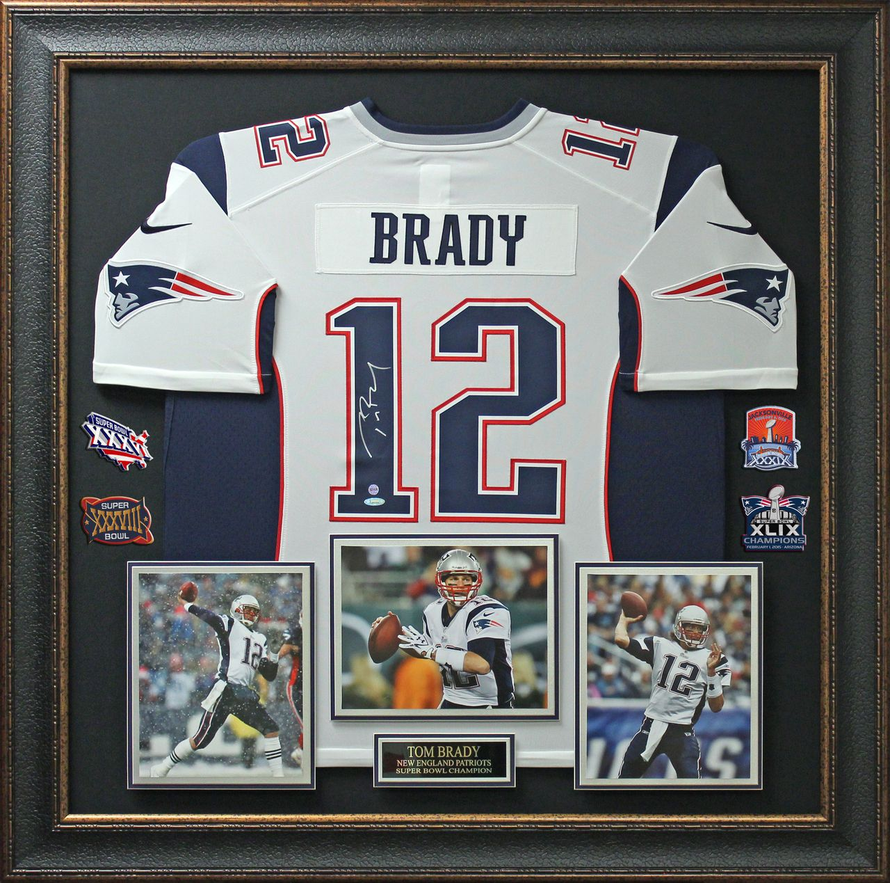 online store 767ba c71fb Tom Brady Signed New England Patriots Jersey With Superbowl ...