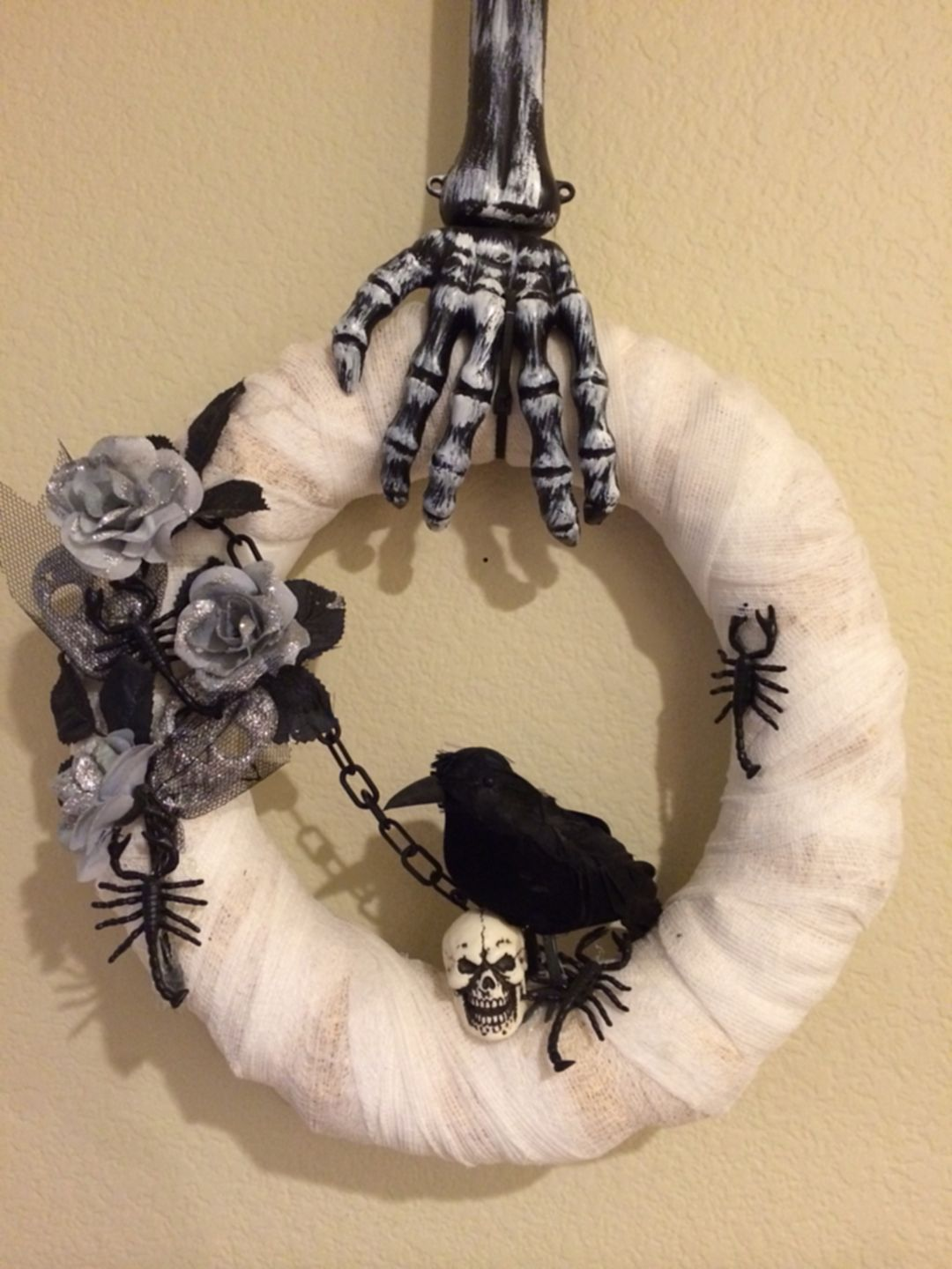 Cheap And Awesome Halloween Decor To Buy At Dollar Tree