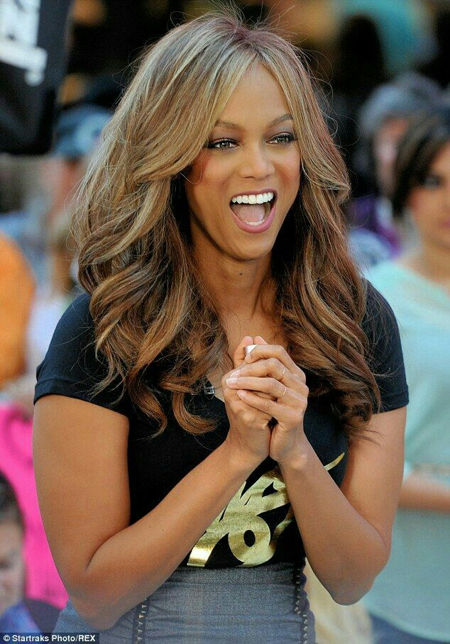 Tyra Banks visits talk show to introduce Tyra Beauty Cosmetics! Get yours at www.tyra.com/fergi