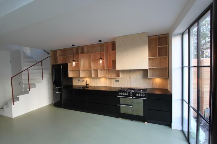 Keukenwand met verlichting boerderij interieur klant