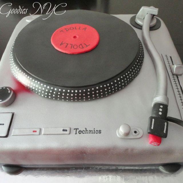 Turntable Cake Turntable Cake Music Themed Cakes Music