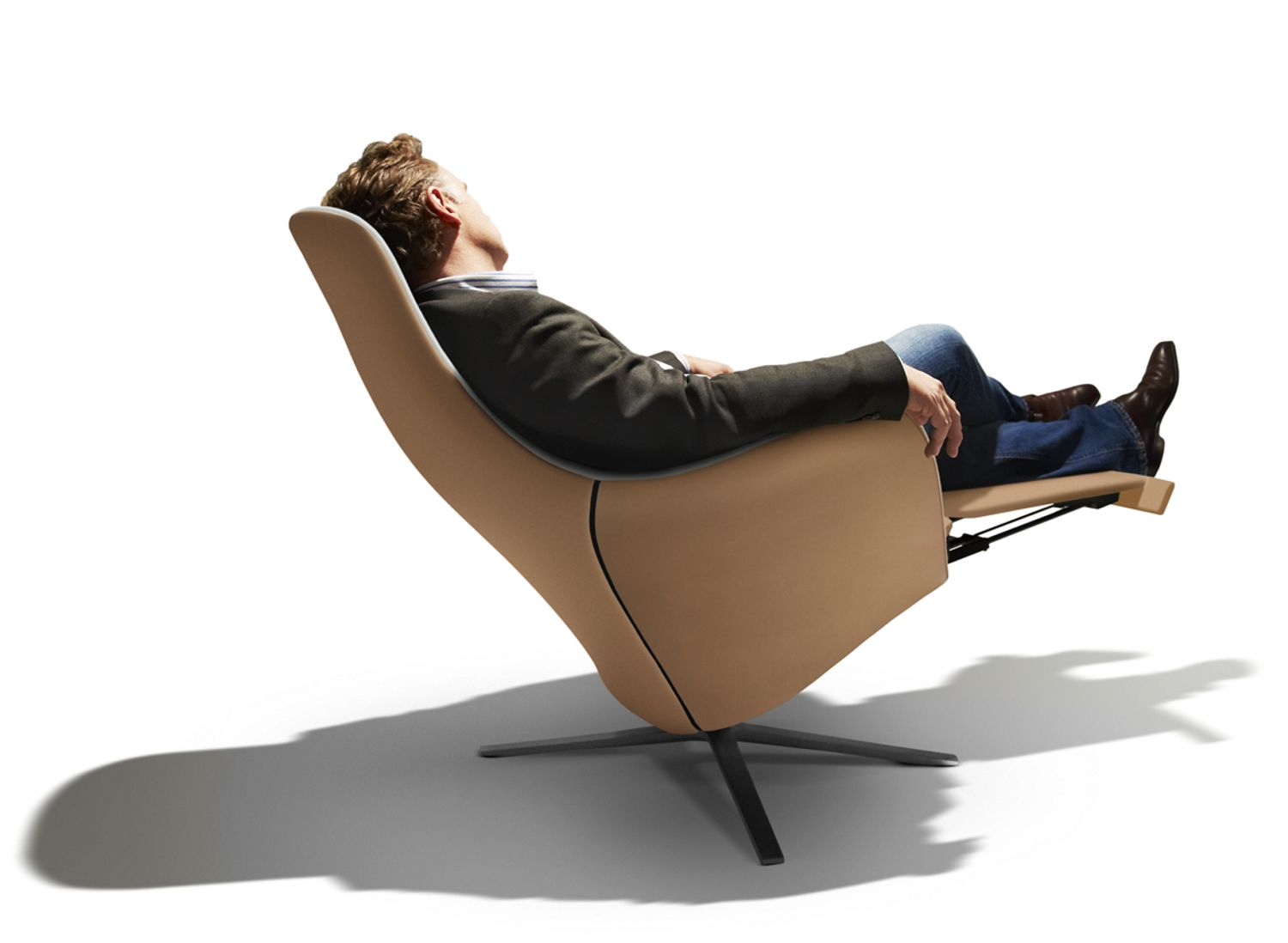 Fauteuil Met Voetsteun.Marvin By Christophe Marchand Montis Contemporary Armchair