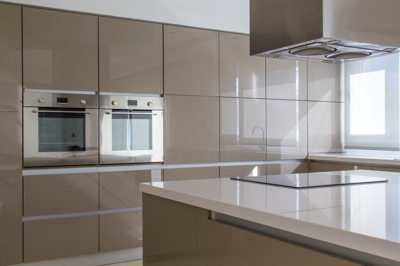 High Gloss Cabinet Doors Modern Kitchen Design Interior Design Kitchen Small Glossy Kitchen