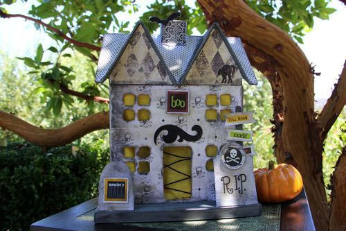 007 Paper mache haunted house Halloween Decorations, Crafts