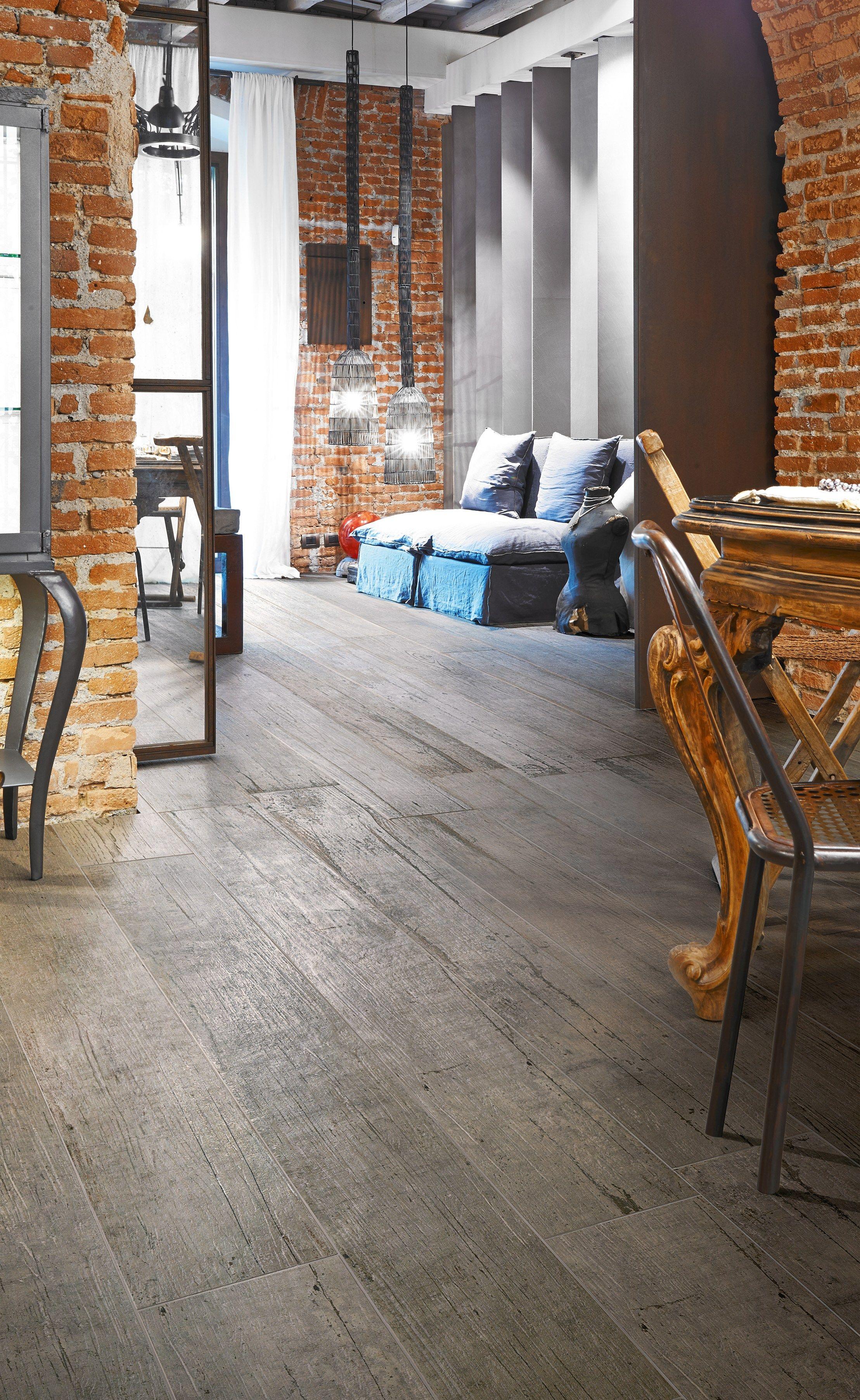 Revestimiento de pared suelo de gres porcel nico imitaci n - Revestimiento madera paredes ...