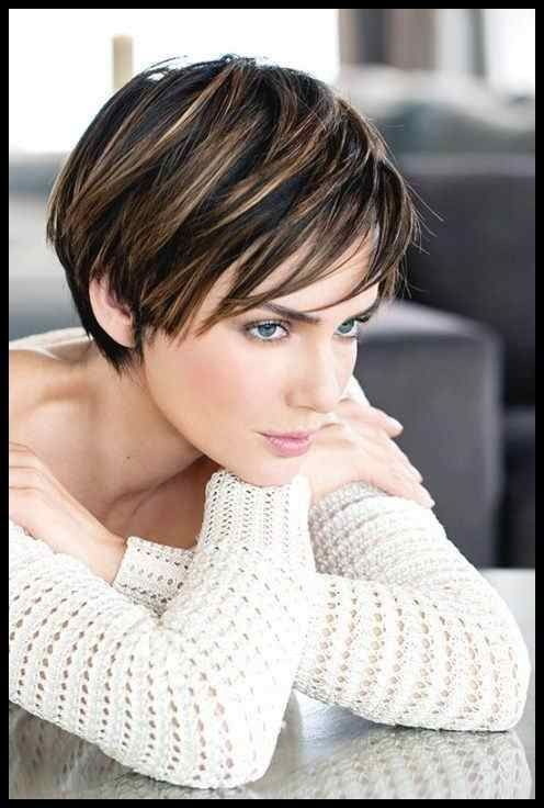 10 Short Layered Hairstyles in Fashion Right Now -