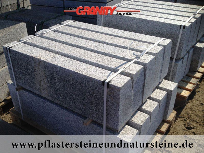 Polengranit Http Www Pflastersteineundnatursteine De Fotogalerie Unterschiedliche Naturstein Produkte Natursteine Randsteine Granit Bordstein