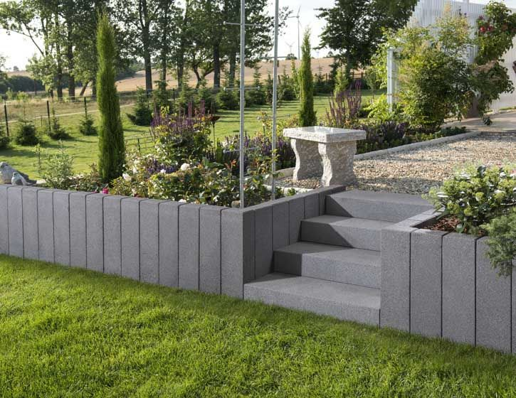 Vios Palisades And Steps In Anthracite Garden Design Ideas Garten Stufen Landschaftsbau Gartengestaltung Ideen