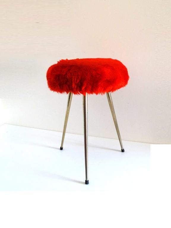 Tabouret moumoute rouge vintage années 70 | Mobilier vintage ...