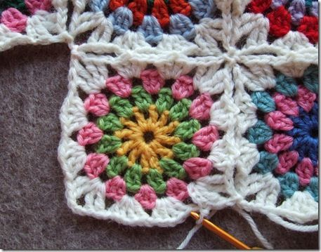 free circle in a square motif with joining crochet pattern ...