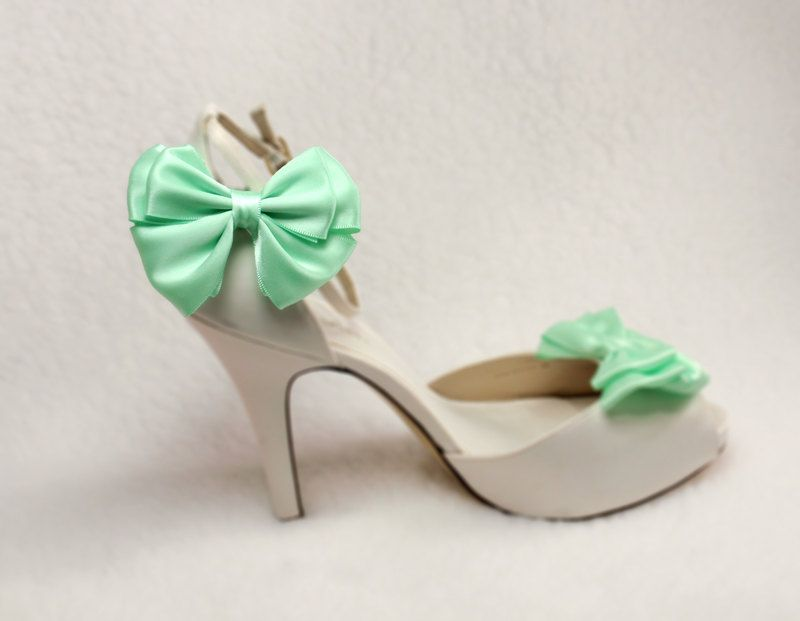 Mint Green bow shoe clips- love this color combo. | style file ...