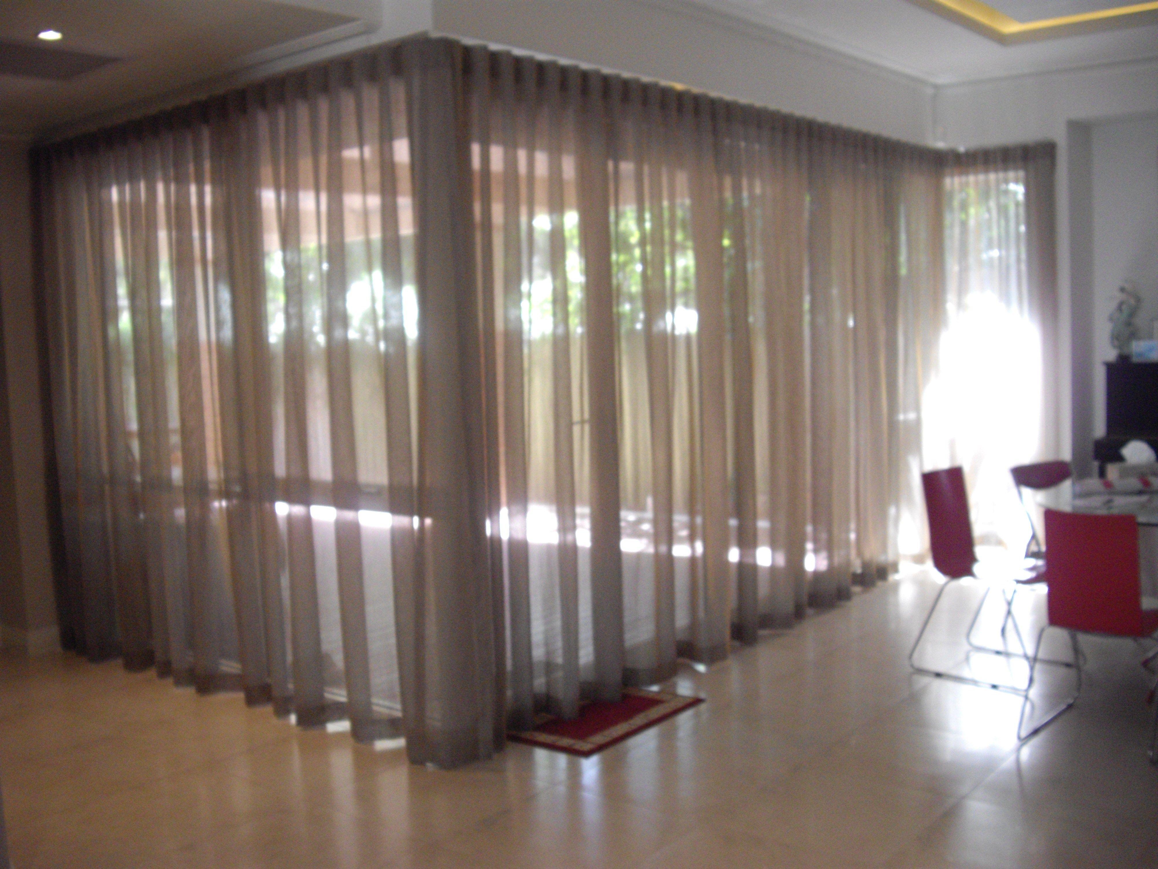 Deckenmontage Gardinenstangen Elegante Gardinen Deckenvorhang