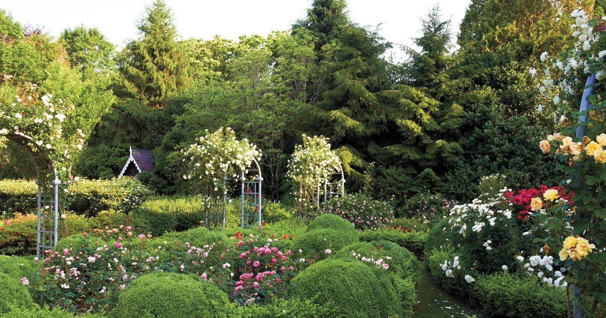 98620475505630c90070353c6551fbef - Private Gardens Of The Fashion World
