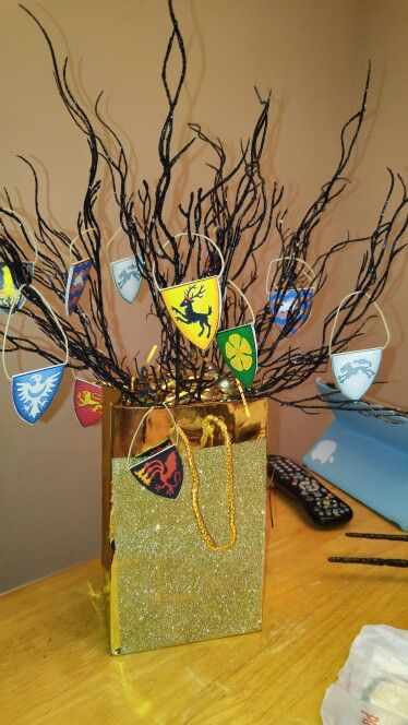 game of thrones party centerpiece for table misc pinterest party centerpieces. Black Bedroom Furniture Sets. Home Design Ideas