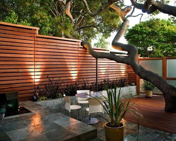 kleingarten anlegen terrasse baum holzboden garten. Black Bedroom Furniture Sets. Home Design Ideas