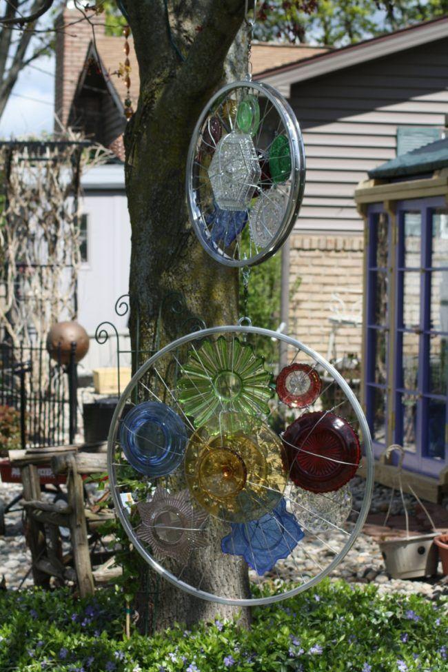 kreative gartenideen reifen speichen glas teller bunt deko garden pinterest garten ideen. Black Bedroom Furniture Sets. Home Design Ideas
