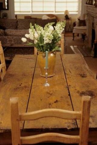 How To Build A 12 Foot Farmhouse Table Hunker Diy Dining Table