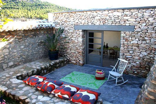 decoration jardin pierre apparente coussin - Decoration En Pierre Pour Exterieur