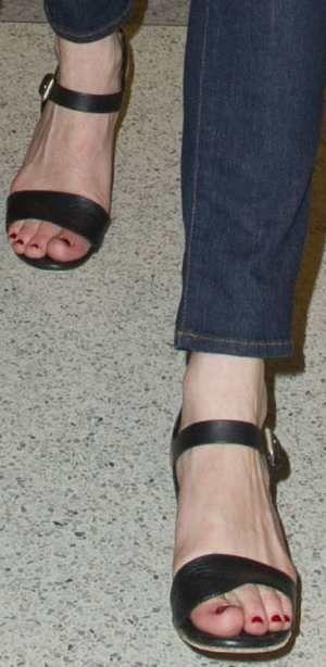 c392f4005b4 Chloé Stitch Sandals – Kirsten Dunst