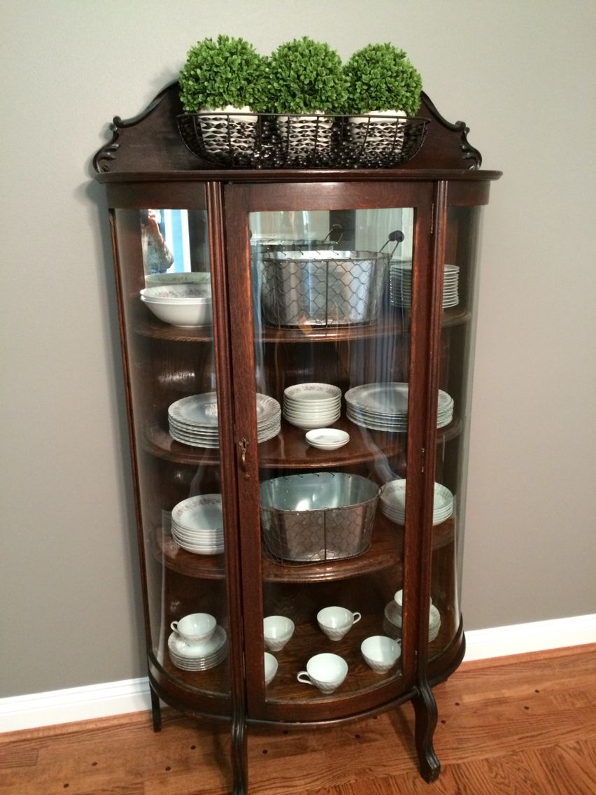 My Mom Recently Gave Me Her Antique China Cabinet Thanks To Pinterest I Was Able Get Some Great Ideas Curio Decor Furniture