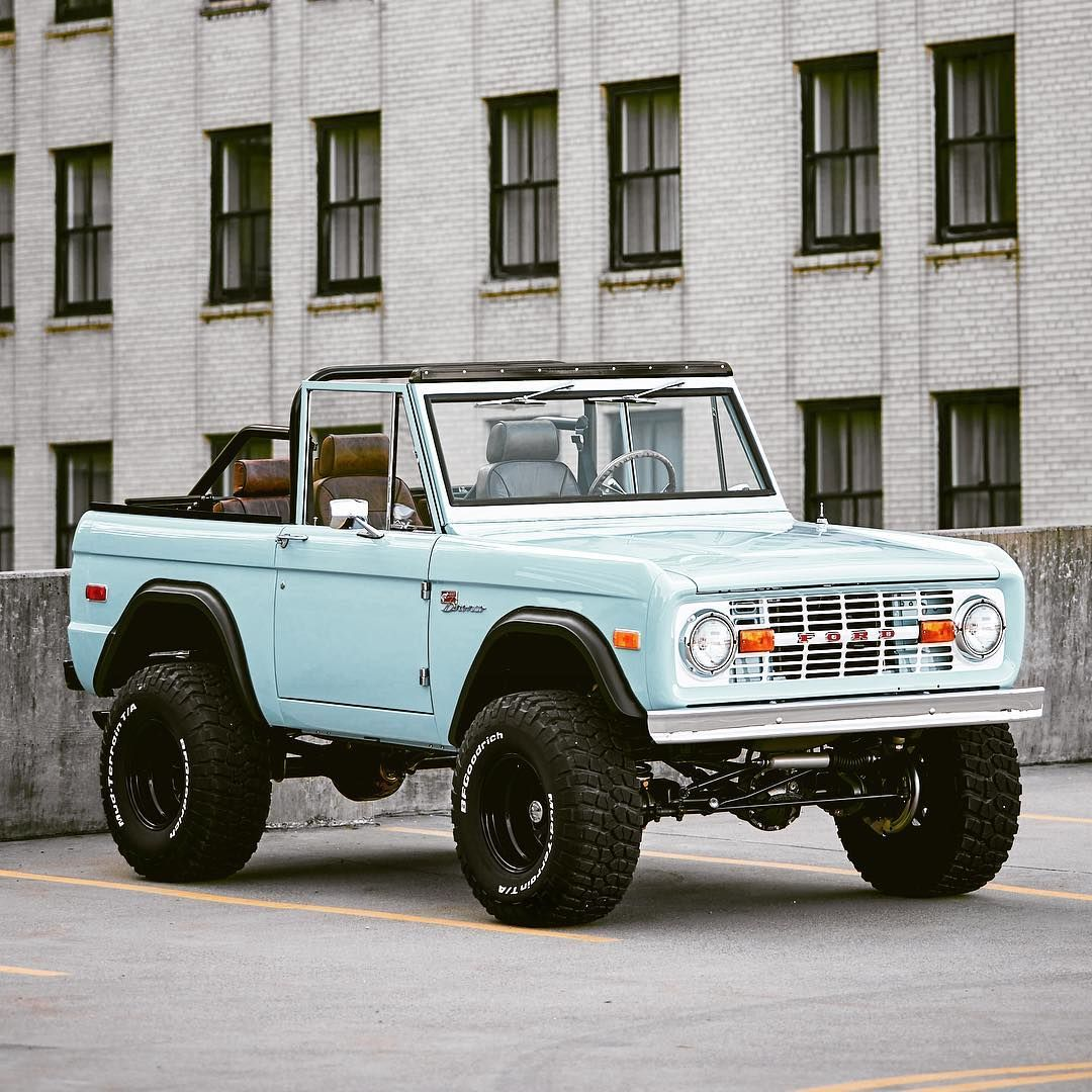 Two Days In A Row With The Top Down What Are You Driving Today Classicfordbroncos Classicsdaily Fo Classic Ford Broncos Ford Bronco Dream Cars Jeep