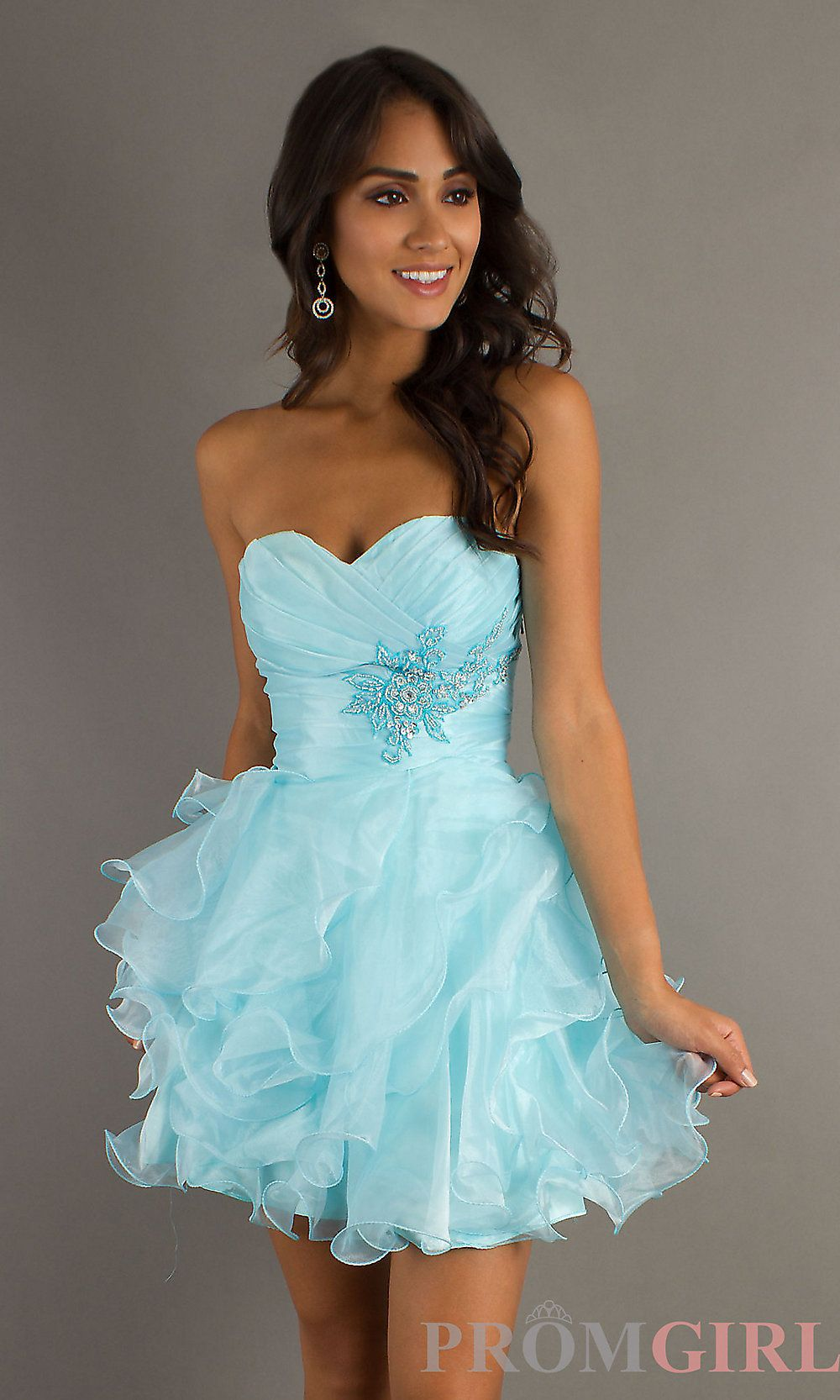 I normally donut like short dresses but this is so cute dresses