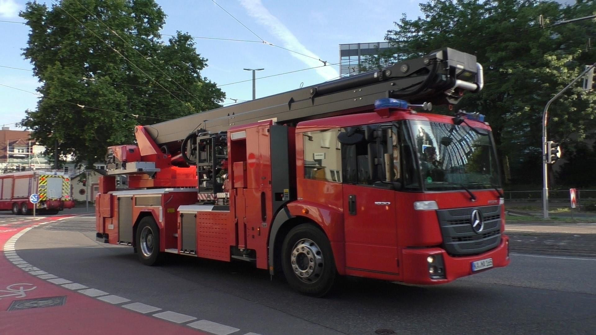 Pin By T Dav On Bronto Skylift Fire Engine Fire Apparatus Fire