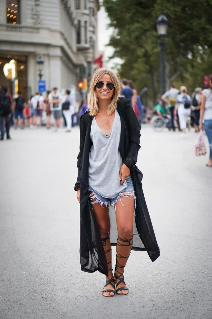 988cf60cbb51 25 Outfits That Will Show You How To Wear And Style The Gladiator Sandals.  Dare to wear knee length gladiator sandals with cropped denim shorts this  ...