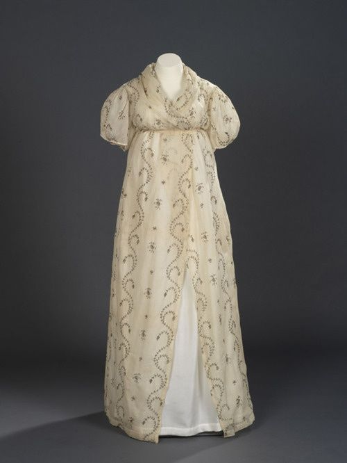 royal ontario museum gown 1810 | Evening dress or open robe, 1795 ...