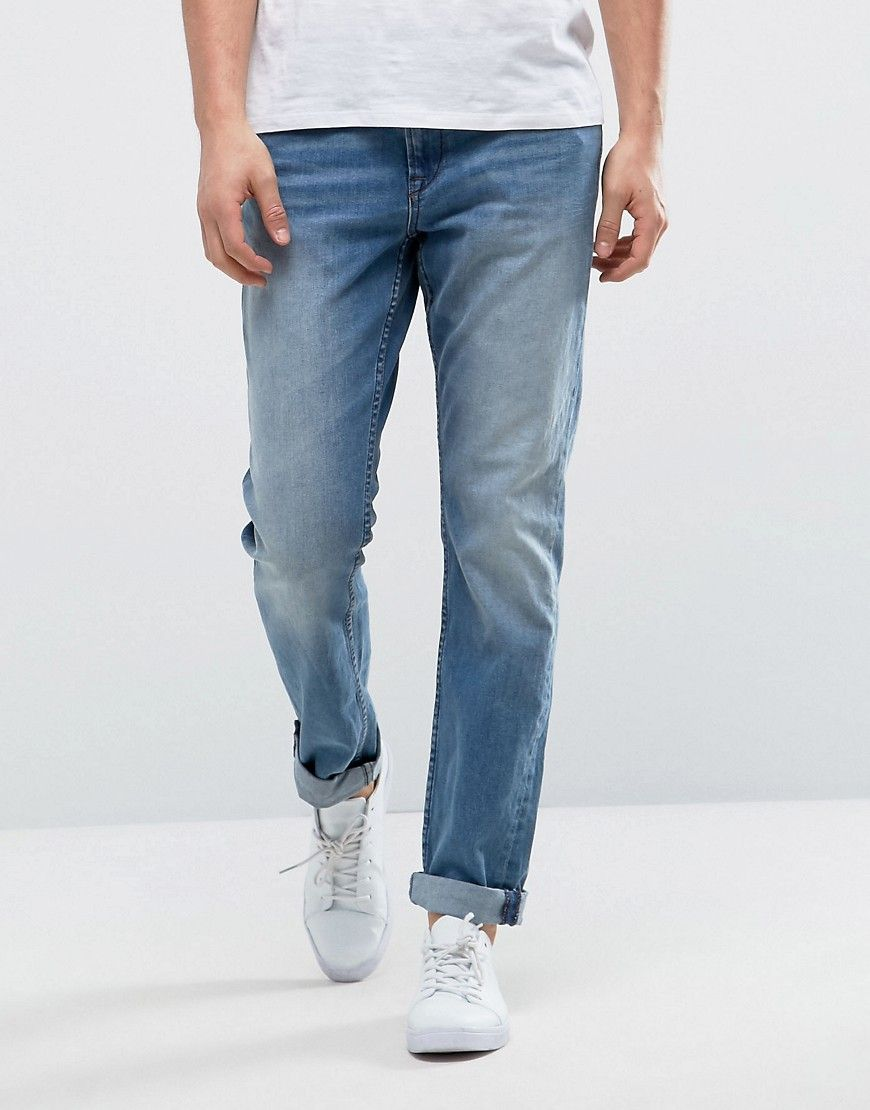 Get this Only & Sons's slim jeans now! Click for more details. Worldwide shipping. Only & Sons Slim Fit Jean with Rips - Blue: Jeans by Only Sons, Stretch denim, Concealed fly, Five pocket design, Stitched Only Sons back patch, Slim fit - cut close to the body, Machine wash, 98% Cotton, 2% Elastane, Our model wears a W 32 Regular and is 188cm/6'2 tall. Quality craftsmanship is at the forefront of Danish brand Only Sons, whose signature designs include classic knitwear, relaxed sweats and…