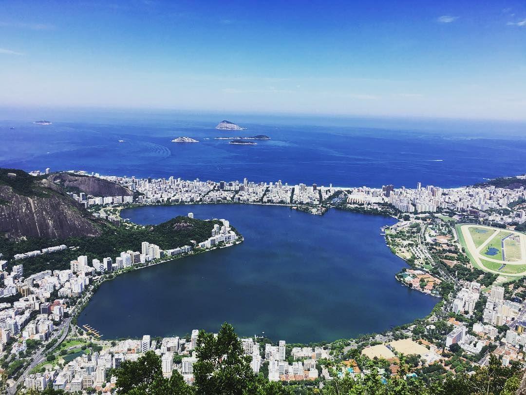 Vista da Cidade Maravilhosa lá de cima do Cristo... da Lagoa Rodrigo de Freitas até às Ilhas Cagarras!