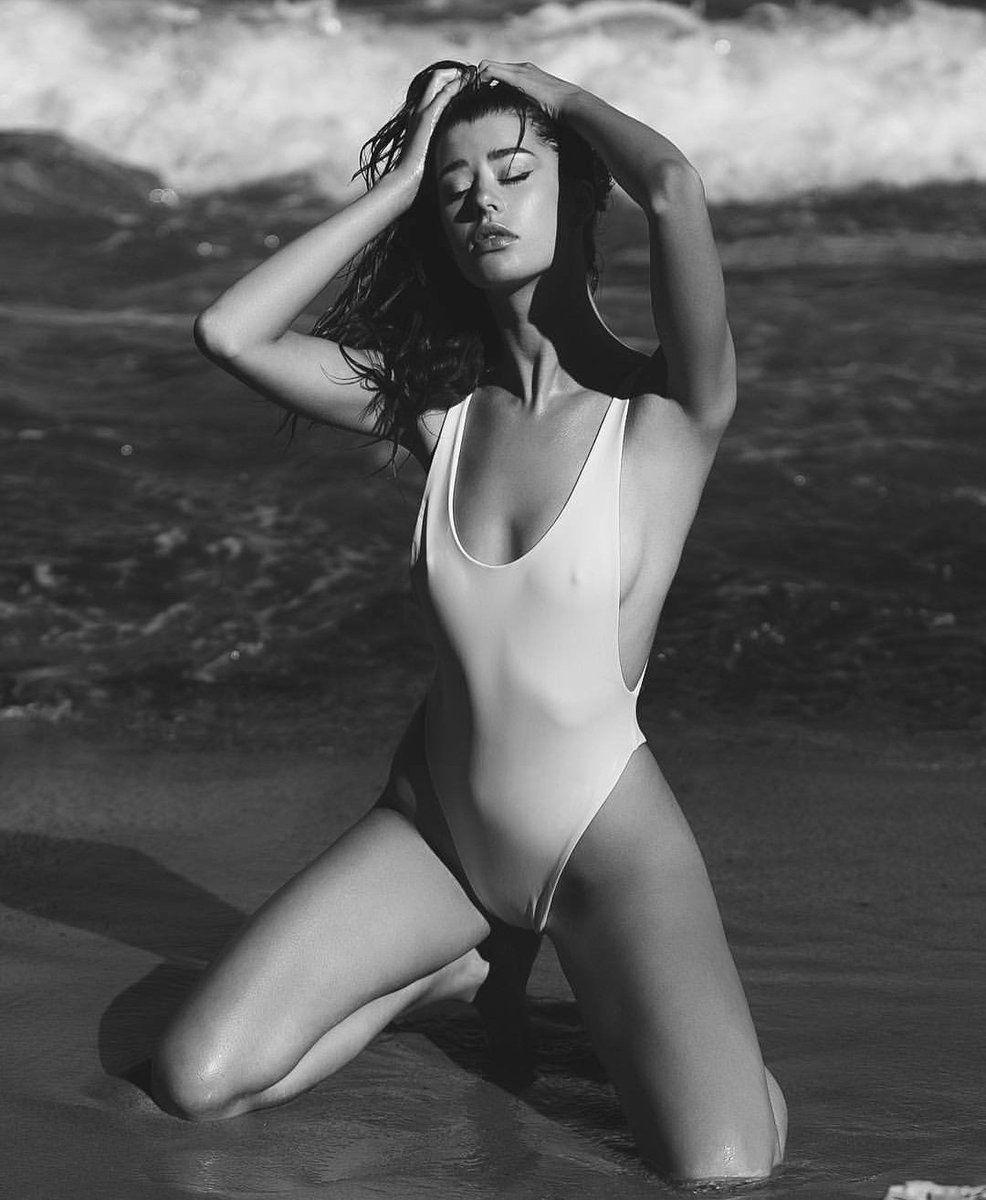 Sarah mcdaniel sexy