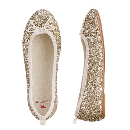 This pretty pair is finished with showstopping sparkle. The