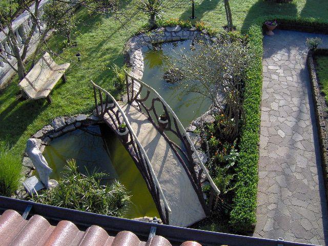 Risultati immagini per filtro laghetto fai da te for Costruire laghetto da giardino