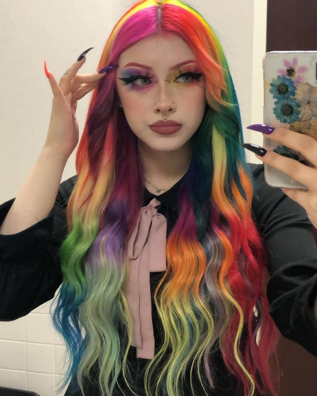 How To Do A Peek A Boo Hair Color 12752 Smokey Blonde With Peekaboo Fashion Colors Peekaboo Hair Blonde Hair Color Turquoise Hair
