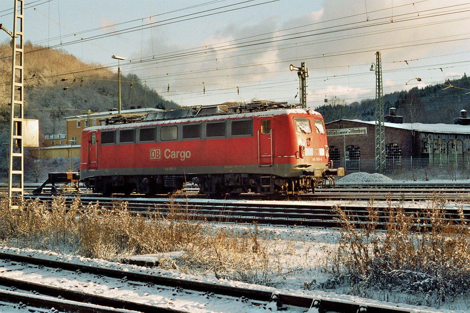 2001.12.20. 140-005 vor dem ehemaligen BW Dillenburg