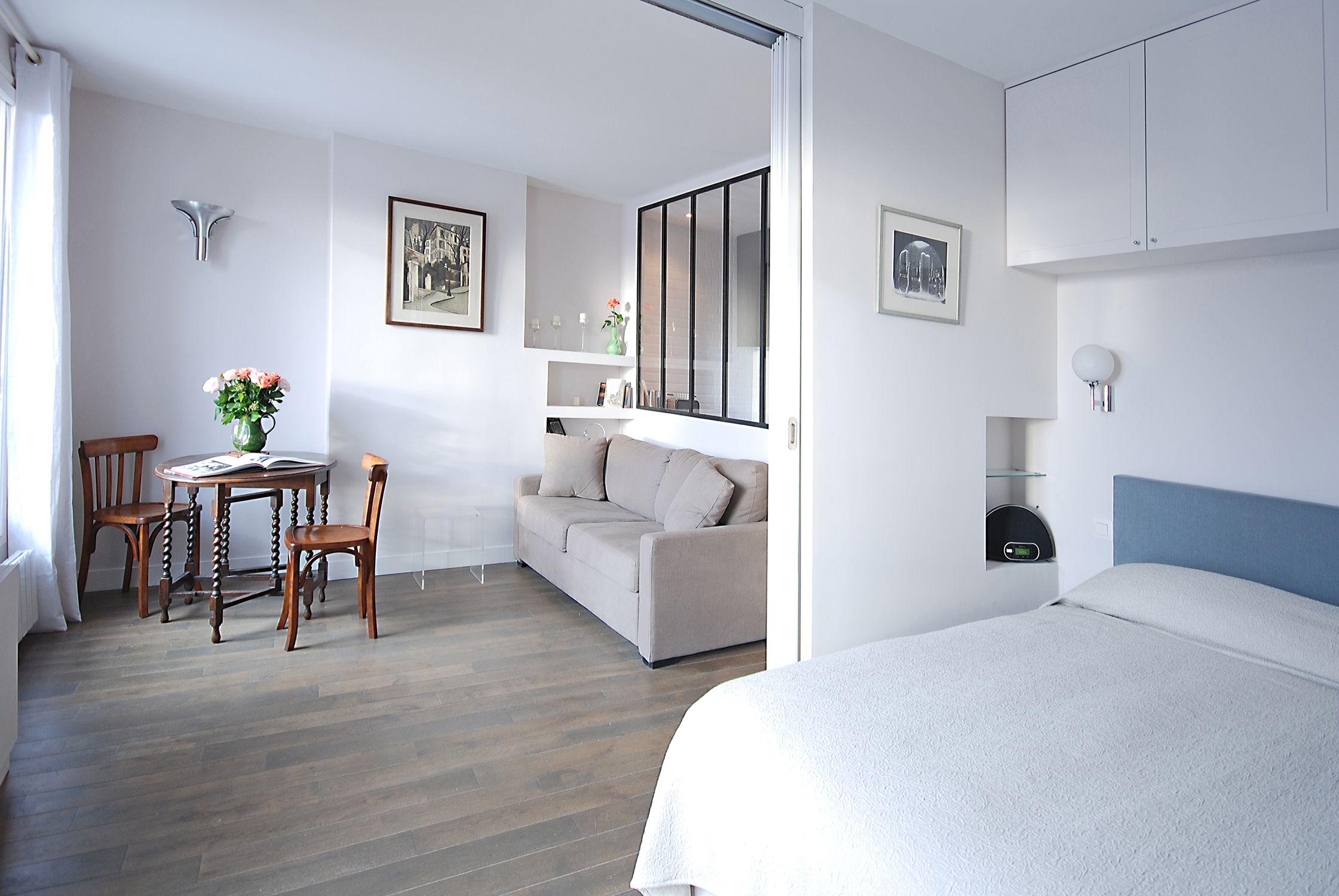 Renovated studio in paris with sliding doors to separate - Architecte interieur paris petite surface ...