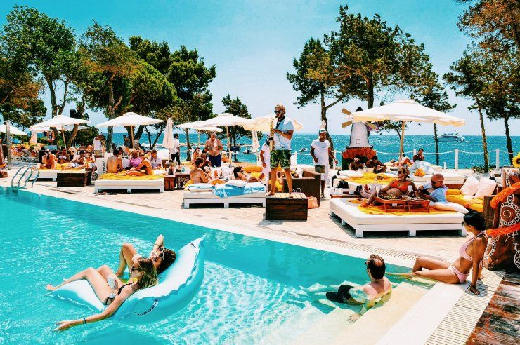 Nikki Beach Ibiza, España Espana Pinterest Ibiza, Beach club - camping a marseillanplage avec piscine