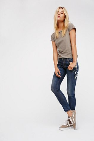 Driftwood Womens JACKIE EMBROIDERED JEAN - Bohemian Summer Fashion Trend 2017