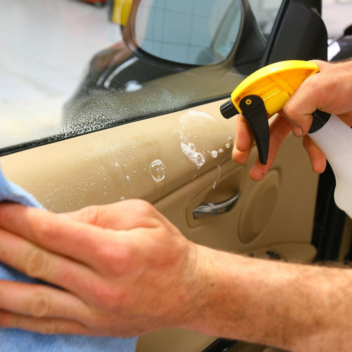 Top 10 Cleaning Tips for the Inside of Your Car Cleaning