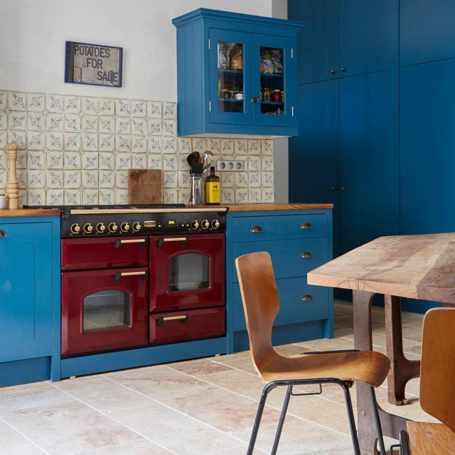 British Apartments: Primary Colour And Pattern Create The Perfect Modern