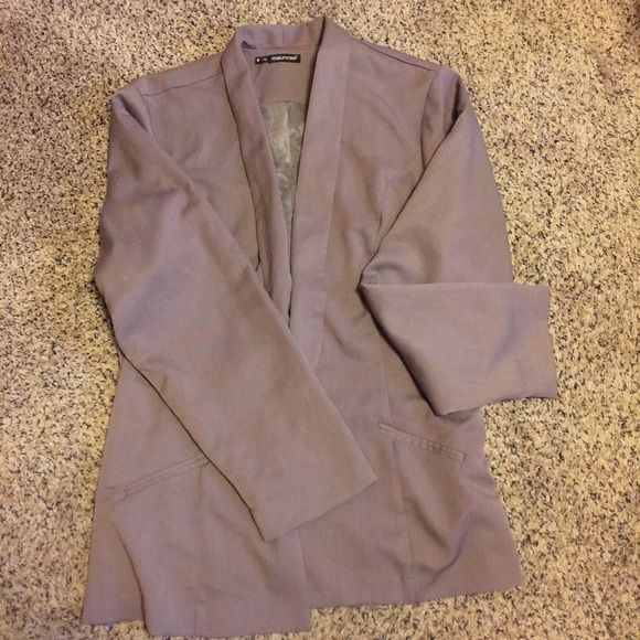 Maurices Blazer Gorgeous Maurices size 4 blazer in a beautiful purple color! This blazer can be worn for any season and is really flattering! It's in great condition, only worn twice with no flaws to report. Maurices Jackets & Coats Blazers