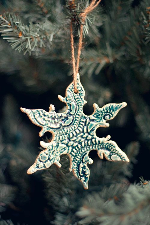DIY Lace Snowflake Ornaments DIY Projects Pinterest