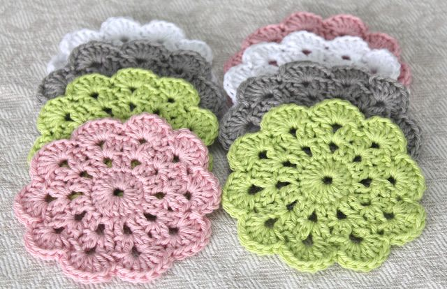 Cute coasters. Pattern here http://crochet.about.com/od/vintage/ss/aa052606.htm